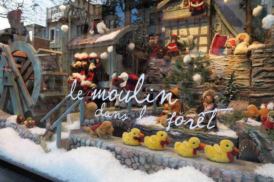 В Mонреале открылась знаменитая рождественская витрина La Maison Ogilvy